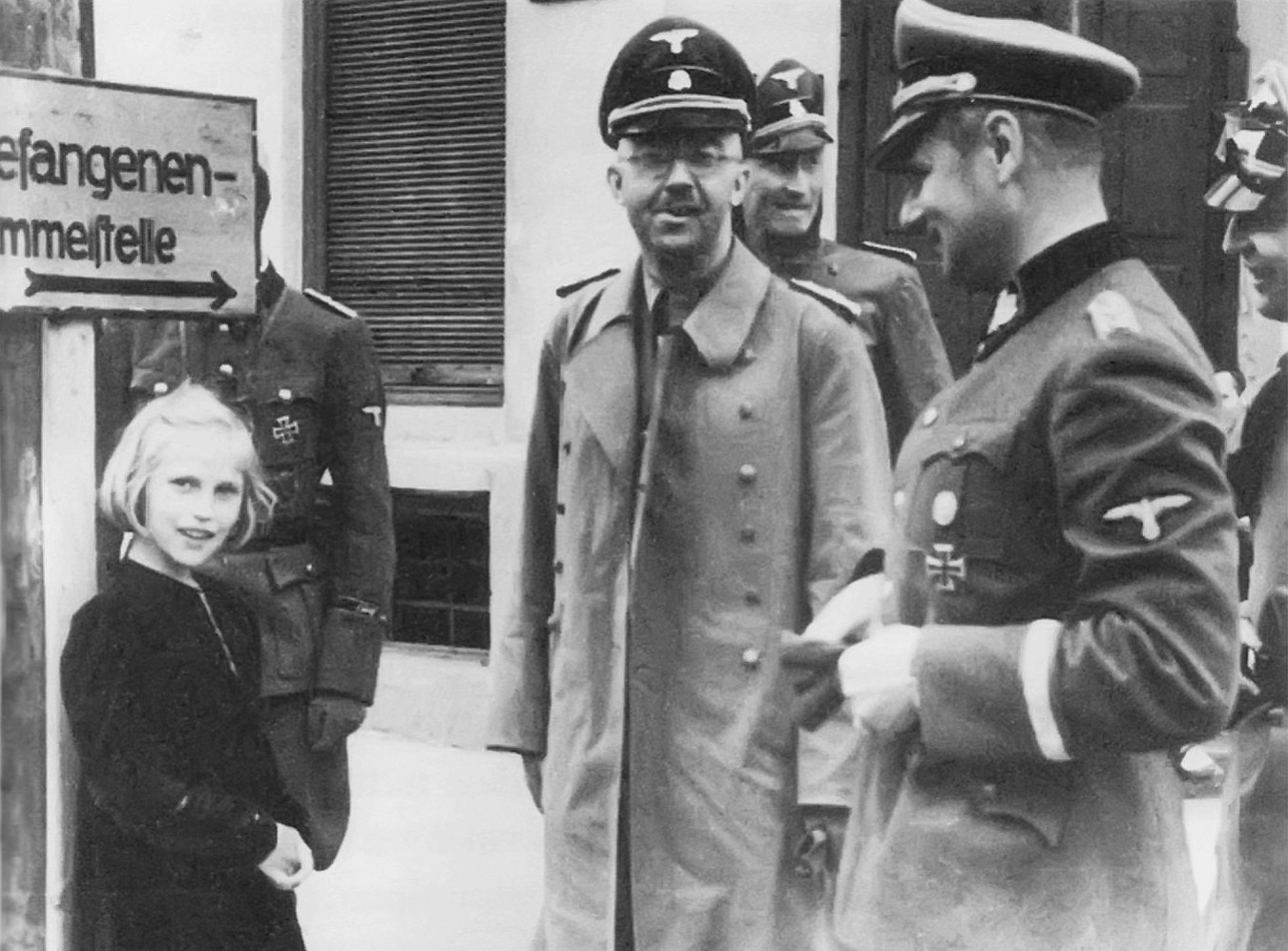Himmler_and_Gudrun_1941.jpg